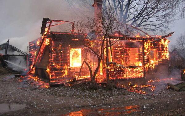В Пензе погибли мать и дочь, сгорев заживо при пожаре