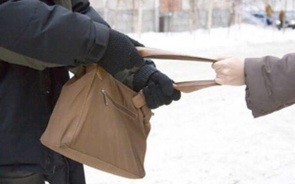 В Пермском крае грабитель переоделся в бабушку, убегая от полиции