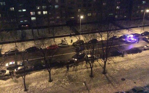 В Петербурге пьяный виновник аварии залез под машину ДПС ФОТО
