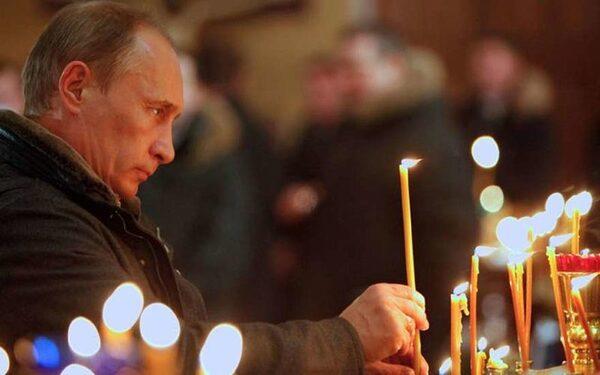 """Путин в храме подарил икону """"Господь Вседержитель"""""""