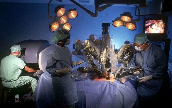 При помощи робота Da Vinci удалось удалить опухоль печени