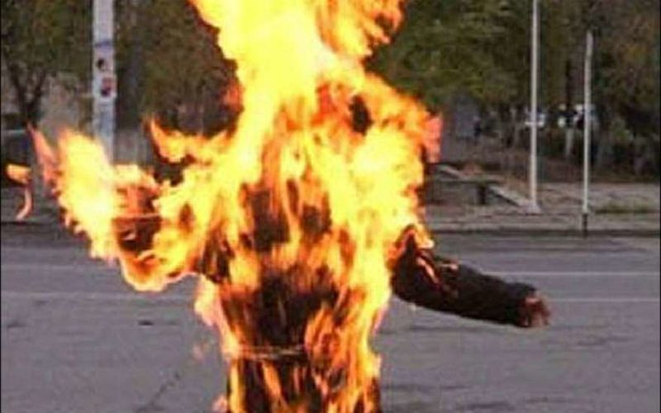 В Самаре на пожилой женщине загорелась одежда