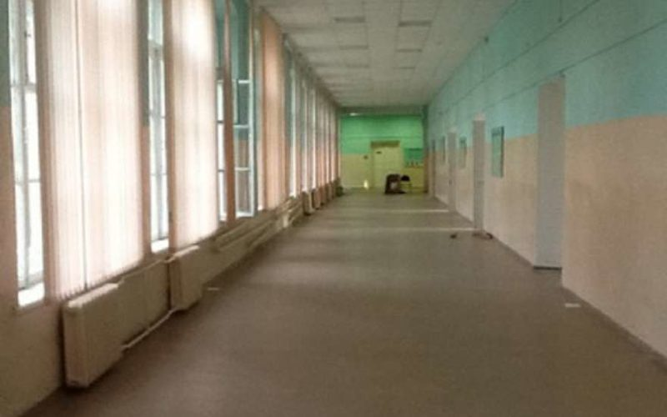 Школьный коридор