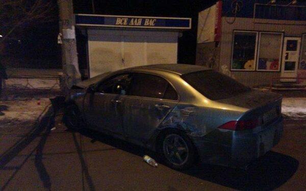 В Волгограде 15-летняя школьница угнала иномарку и попала на ней в ДТП