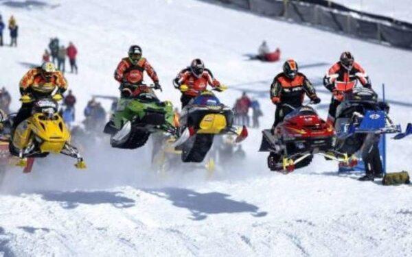 гонки на снегоходе
