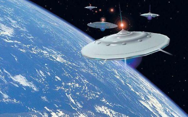 """В 1966 году возле космического корабля """"Джемини-12"""" зафиксировали 2 НЛО"""