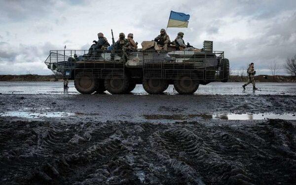 В Станице Луганской на блокпосту ВСУ взорвалась бомба, замаскированная в банке меда