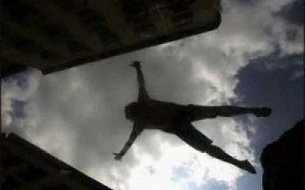 34-летняя петербурженка упала с 15-го этажа