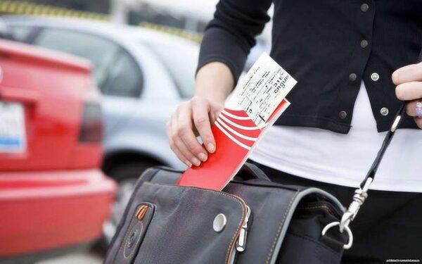 В аэропорту Калифорнии объявили угрозу взрыва и эвакуацию из-за чемодана