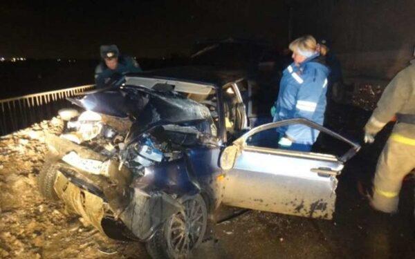 В Свердловской области в ДТП с «Рено» и «Девяткой» погиб мужчина, пять человек пострадали