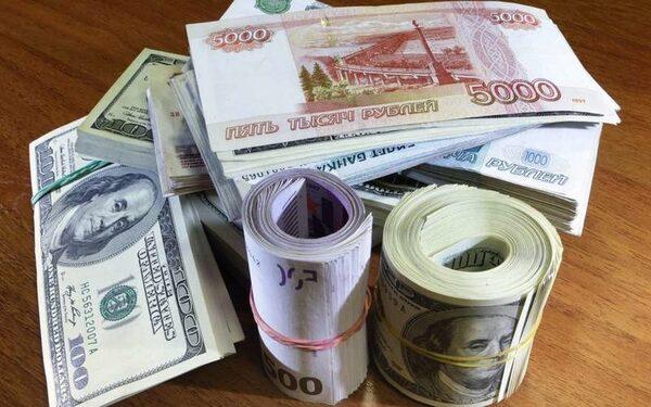 В России падение курса рубля не заметил каждый десятый гражданин - результаты опроса