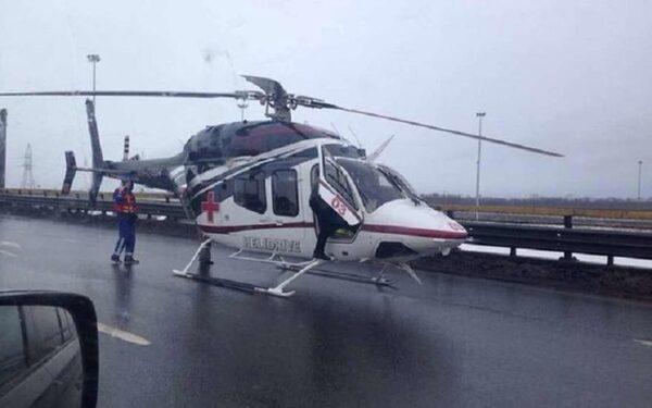 С места ДТП в Петербурге пострадавших эвакуировали вертолетом