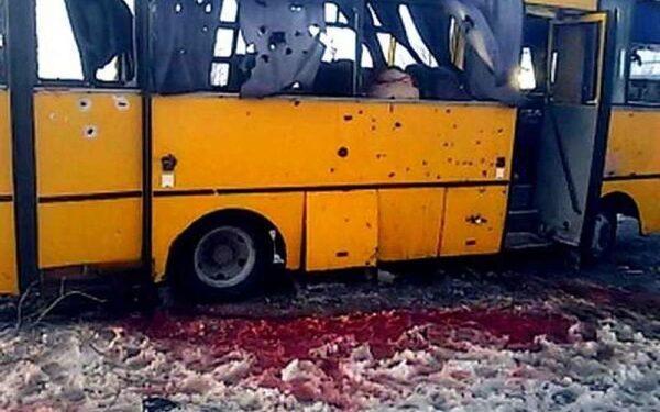 Расстрел автобуса под Волновахой: число погибших увеличилось до 12 человек, данные МВД Украины, подробности